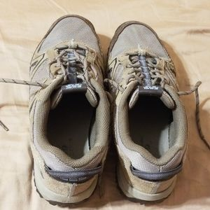 New Balance 8.5 D 659 walking trail shoes, brown